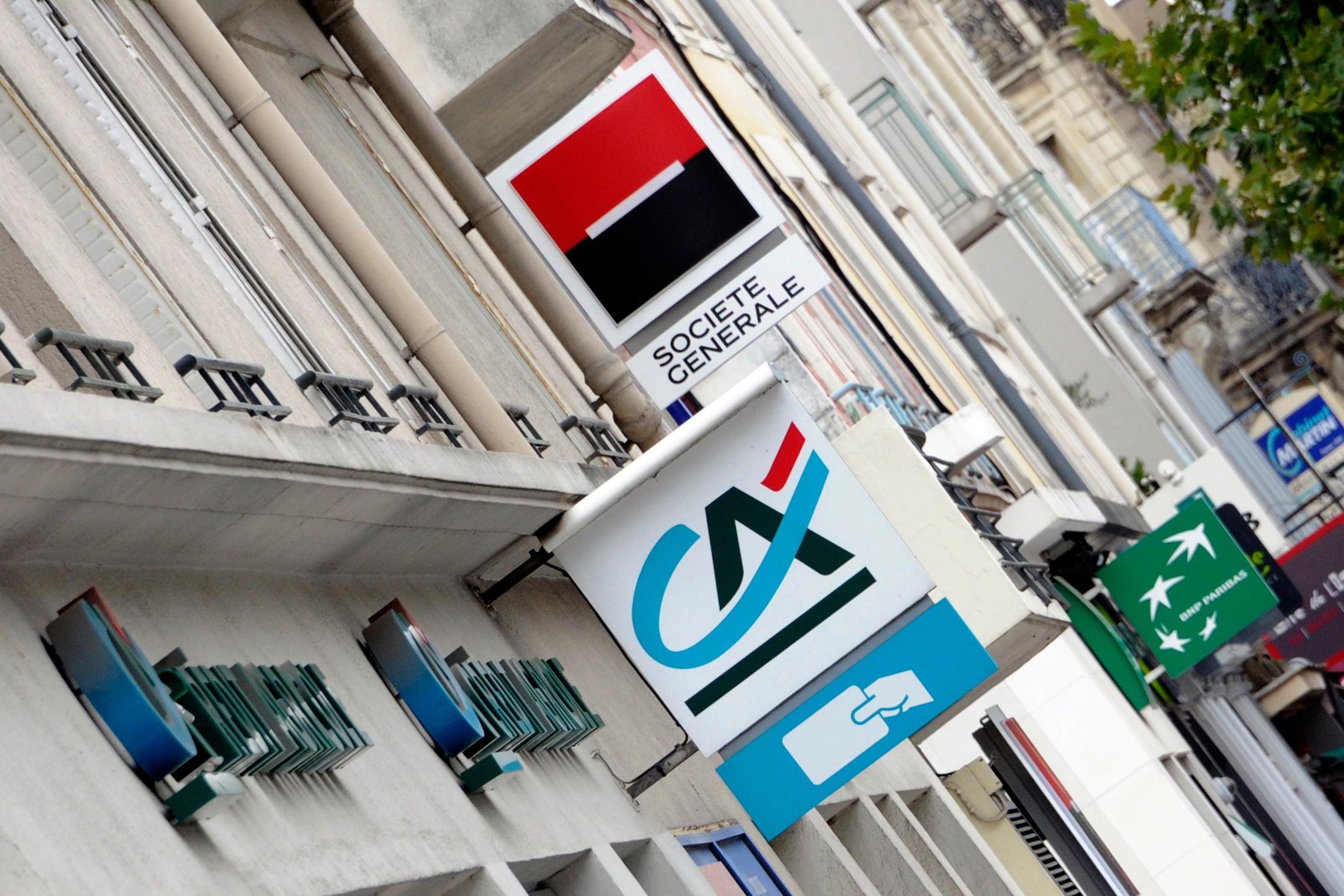7775734408_logos-de-banques-a-rennes-le-12-septembre-2011-illustration